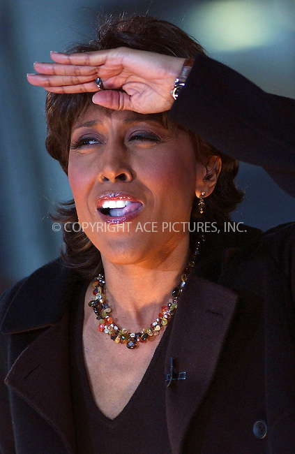 WWW.ACEPIXS.COM . . . . .....November 13, 2007. New York City....Television personality Robin Roberts appears on Good Morning America in Times Square, New York City...  ....Please byline: Kristin Callahan - ACEPIXS.COM..... *** ***..Ace Pictures, Inc:  ..Philip Vaughan (646) 769 0430..e-mail: info@acepixs.com..web: http://www.acepixs.com