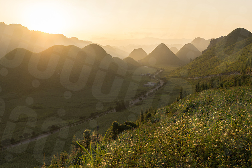 September 22, 2014 - Meo Vac (Vietnam). A view of the hills that surround the small village of Tam Son. © Thomas Cristofoletti / Ruom
