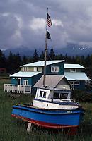 USA/Etats-Unis/Alaska/Gustavus : Maison de pêcheur et bateau de pêche