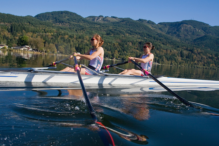 Rowing, Ursula Grobler, Abby Broughton, (bow) lightweight women's double, workout, Lake Samish, Rowstar, Samish Rowing Center, Carlos Dinares, coach, Pacific Northwest, Washington State, Bellingham,