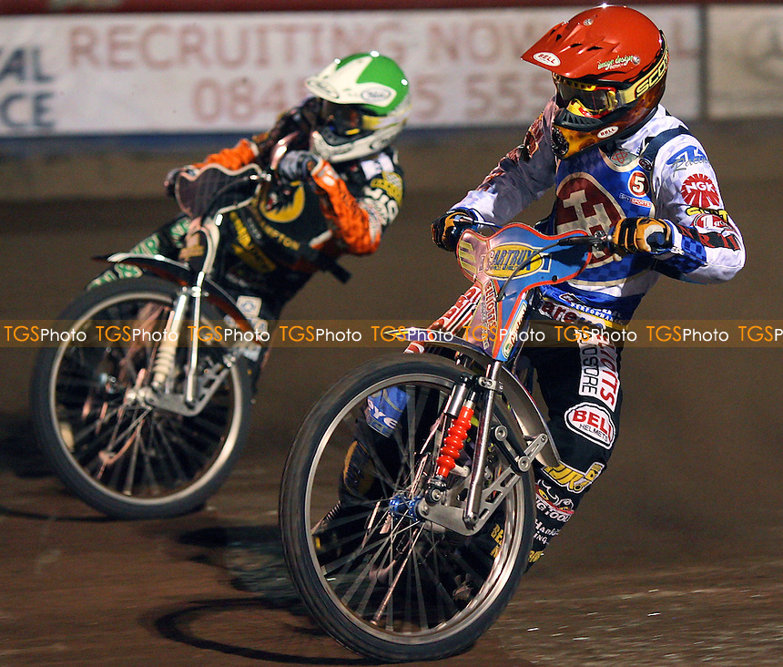 Heat 3: Schlein (red) ahead of Iversen - Lakeside Hammers vs Wolverhampton Wolves - Sky Sports Elite League Speedway at Arena Essex, Purfleet - 17/09/08 - MANDATORY CREDIT: Gavin Ellis/TGSPHOTO - Self billing applies where appropriate - 0845 094 6026 - contact@tgsphoto.co.uk - NO UNPAID USE.