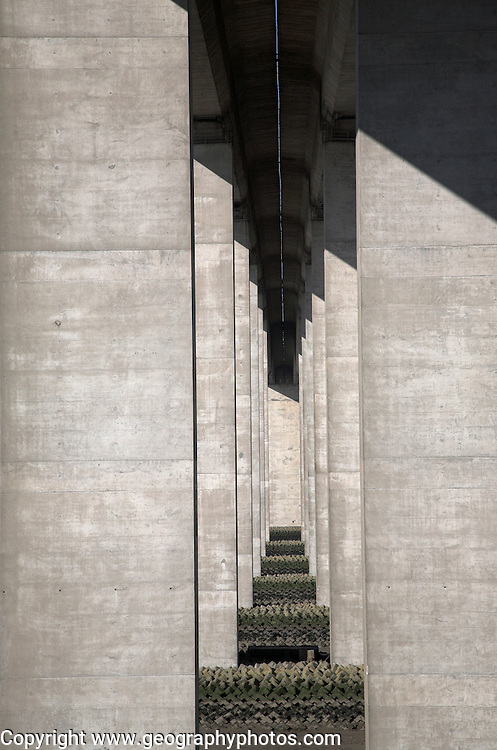 Orwell Bridge, Suffolk, England. The bridge, completed 1982, is constructed of a pair of continuous concrete box girders with expansion joints that allow for expansion and contraction.