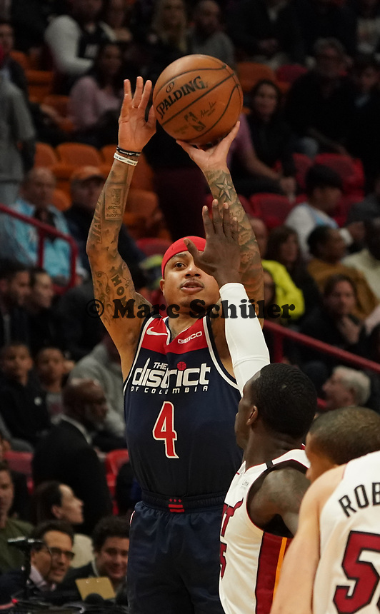 Isaiah Thomas (G, Washington Wizards, #4) wirft - 22.01.2020: Miami Heat vs. Washington Wizards, American Airlines Arena