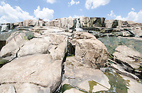 PIRACICABA, SP, 10.02.2014 - SECA / PIRACICABA / SP - A maior seca dos últimos 97 anos atinge a região de Piracicaba, interior Paulista. O rio conhecido por suas cheias, está com o nível abaixo do normal nesta segunda-feira, 10. (Foto: Mauricio Bento / Brazil Photo Press).