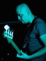 CIUDAD DE MÉXICO, DF. Julio 12, 2013  – Carlos Maldonado bajista del grupo de Jazz, Los Dorados, toca el bajo en el Bar Caradura de la Ciudad de México.  FOTO: ALEJANDRO MELÉNDEZ<br /> <br /> MEXICO CITY, DF. July 12, 2013 - Carlos Maldonado Jazz bassist, Los Dorados, plays bass in the Bar Caradura Mexico City. PHOTO: ALEJANDRO MELENDEZ