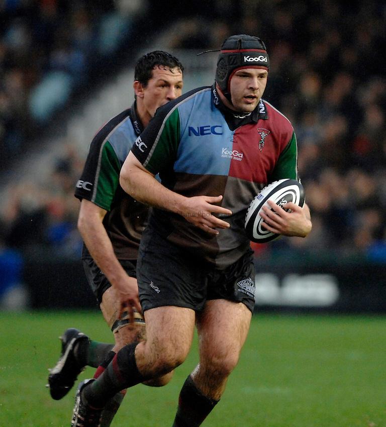 Photo: Richard Lane..NEC Harlequins v Bath Rugby. Guinness Premiership. 06/01/2007. .Quins' Mike Ross.
