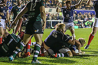 London Scottish score a try during the Greene King IPA Championship match between London Scottish Football Club and Nottingham Rugby at Richmond Athletic Ground, Richmond, United Kingdom on 16 October 2015. Photo by David Horn.