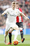 Real Madrid's Toni Kroos (l) and Athletic de Bilbao's Javi Eraso during La Liga match. February 13,2016. (ALTERPHOTOS/Acero)