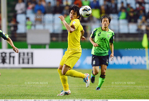 Masato Kudo (Reysol),.MAY 15, 2013 - Football / Soccer :.AFC Champions League Round of 16 1st leg match between Jeonbuk Hyundai Motors 0-2 Kashiwa Reysol at Jeonju World Cup Stadium in Jeonju, South Korea. (Photo by Takamoto Tokuhara/AFLO)
