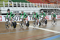 CALI - COLOMBIA - 14-01-2015: Equipo de Irlanda, durante entrenamiento en el Velodromo Alcides Nieto Patiño, sede de la III Copa Mundo UCI de Pista de Cali 2014-2015  /Ireland  team, during a training at the Alcides Nieto Patiño Velodrome, home of the III Cali Track World Cup 2014-2015 UCI. Photos: VizzorImage / Luis Ramirez / Staff.