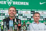 10.05.2018, Weserstadion, Bremen, GER, 1.FBL, Pressekonferenz Werder Bremen, <br /> <br /> im Bild<br /> Florian Kohfeldt (Trainer SV Werder Bremen), Frank Baumann (Gesch&auml;ftsf&uuml;hrer Fu&szlig;ball Werder Bremen), <br /> <br /> Foto &copy; nordphoto / Ewert