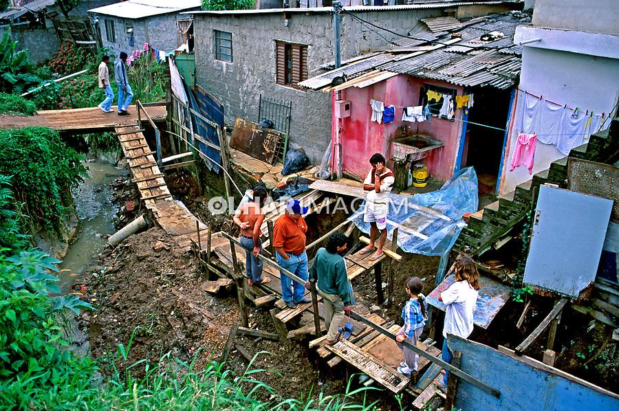 Moradores da favela de Heliópolis. São Paulo. 1993. Foto de Juca Martins.