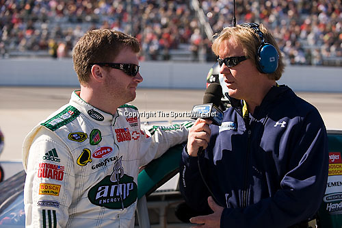 Oct 19, 2008; 12:20:43 PM;  Martinsville, VA, USA; NASCAR Sprint Cup Series race at the Martinsville Speedway for the TUMS Quick Pak 500.  Mandatory Credit: (thesportswire.net)