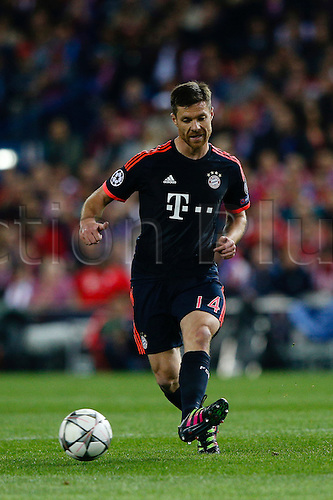 27.04.2016. Madrid, Spain.  Xabi Alonso (14) Bayern Munich. UEFA Champions League Champions League between Atletico Madrid and Bayern Munich at the Vicente Calderon stadium in Madrid, Spain, April 27, 2016 .