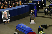 Felipe Gonzalez <br /> <br /> STRASBOURG, FRANCE - JULY 01: The coffin holding the remains of former German Chancellor Helmut Kohl draped by the European flag is carried to the memorial ceremony at the European Parliament on July 1, 2017 in Strasbourg, France. Kohl was chancellor of Germany for 16 years and led the country from the Cold War through to reunification. He died on June 16 at the age of 87<br /> Foto Elyxandro Cegarra / Panoramic / Insidefoto <br /> ITALY ONLY