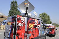- SKY TV, van for mobile production with satellite connection....- SKY TV, furgone regia mobile con collegamento satellitare..