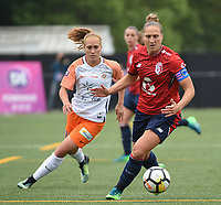 20180519 - LILLE , FRANCE : LOSC's Maud Coutereels (R) and Monpellier's Janice Cayman (L) pictured during the 21 st competition game between the women teams of Lille OSC and Montpellier Herault Sporting Club in the 2017-2018 season of the first Division - Ligue 1 at stade Lille Metropole , Sunday 19th May 2018 ,  PHOTO Dirk Vuylsteke | Sportpix.Be