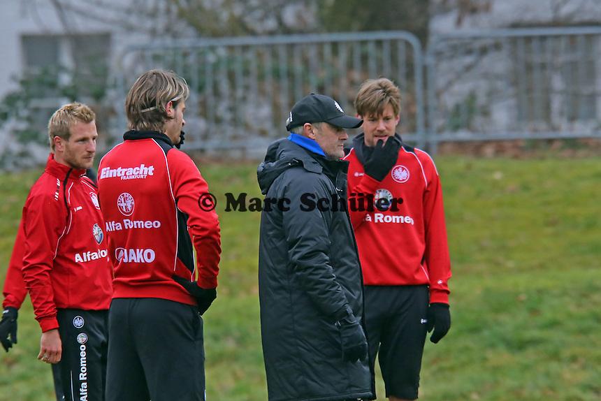 Stefan Aigner, Martin Lanig, Trainer Armin Veh und Marco Russ (Eintracht)