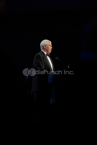 "ST. PAUL, MN JULY 16: Starkey founder Bill Austin speaks at the Starkey Hearing Foundation ""So The World May Hear Awards Gala"" on July 16, 2017 in St. Paul, Minnesota. Credit: Tony Nelson/Mediapunch"