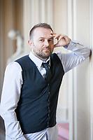 C'&egrave; un motivo se una volta tanto nella vita ho una cravatta (anche se sono quasi sicuro non si indossi cos&igrave;).<br /> Il motivo &egrave; che oggi alle 16 ci sono le premiazioni per il Premio Internazionale Citt&agrave; di Como.  Como, 7 ottobre 2017. &copy; Leonardo Cendamo