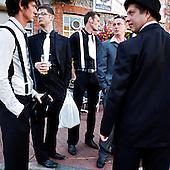 "Brighton, Great Britain, July 2010:. ""Stag party"" in front of The Druids Head..(Photo by Piotr Malecki / Napo Images)..Brighton, Wielka Brytania, Lipiec 2010:.Przed pubem ""The Druids Head"" :  Stag Party, angielska odmiana wieczoru kawalerskiego. Fot: Piotr Malecki / Napo Images"