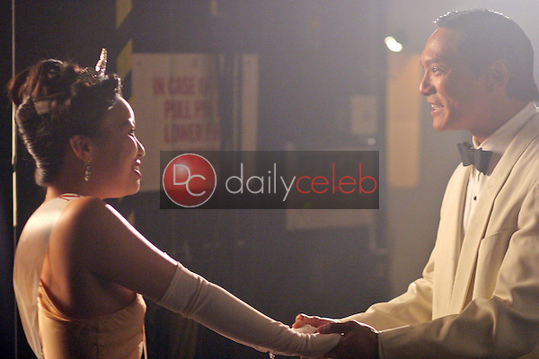 Gina Hiraizumi and Jason Scott Lee