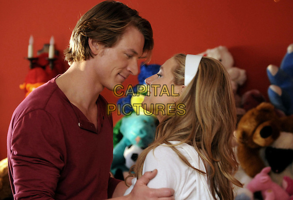 PHILIP WINCHESTER & SARAH CHALKE.in Maneater.*Filmstill - Editorial Use Only*.CAP/FB.Supplied by Capital Pictures.