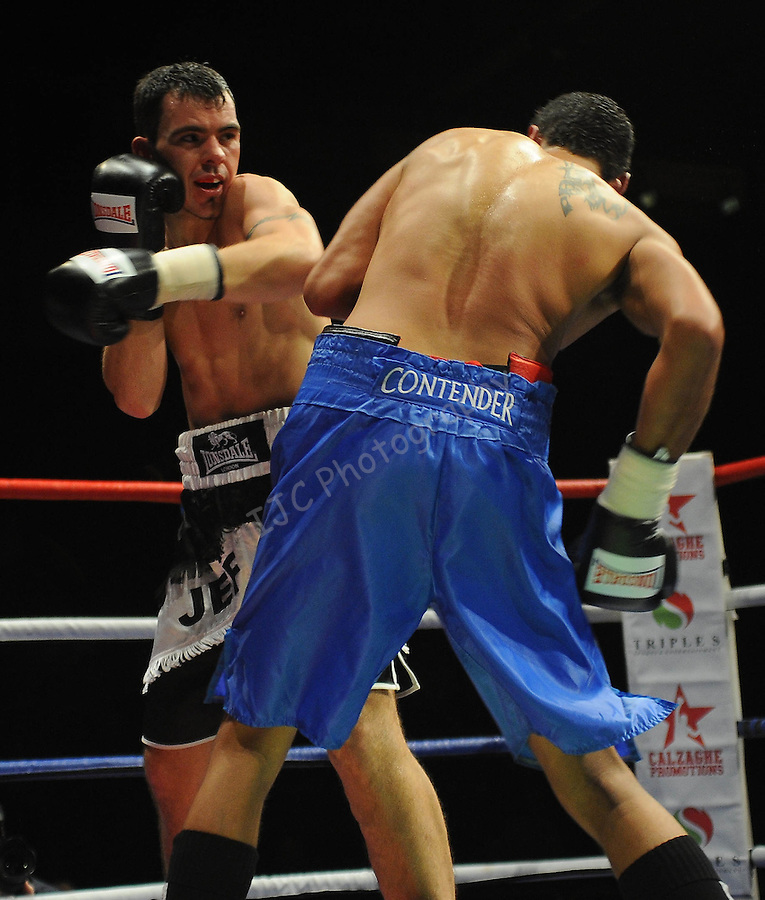 Jeff Evans (Black Shorts) V Jamie Ambler (Blue Shorts)..Joe Calzaghe Promotions Boxing Evening .Date: Friday 20/11/2009,  .© Ian Cook IJC Photography, 07599826381, iancook@ijcphotography.co.uk,  www.ijcphotography.co.uk, .