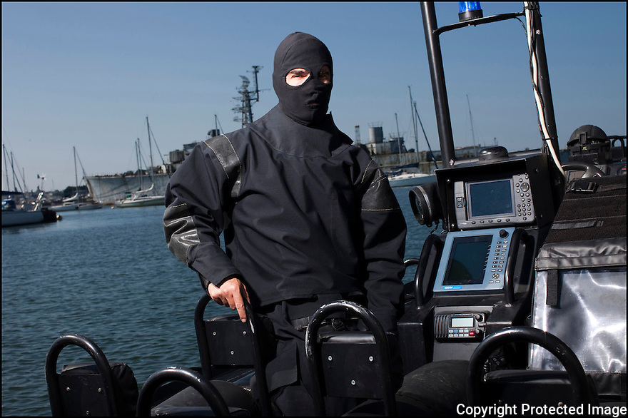 """Juin 2010, Commandos Marine.<br /> MAJOR L. DIT """"YO"""",<br /> chef du Secteur vecteur nautique commando (SVNC) à la Basefusco de Lorient."""