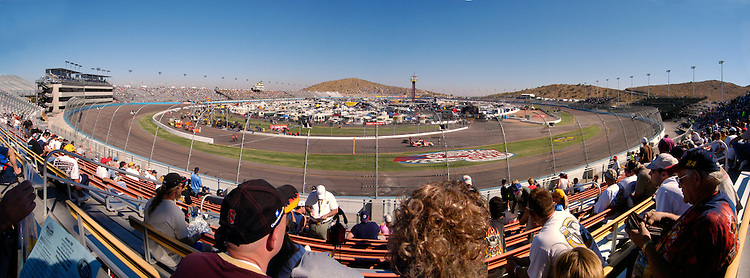 Phoenix International Raceway, November 2005. (Photo by Dan Irving, www.irvingimage.com)