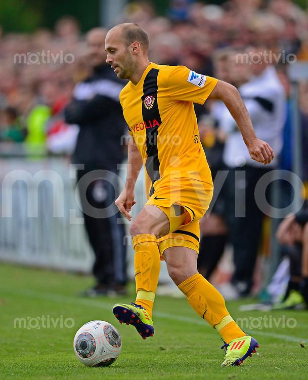 Fussball, 2. Bundesliga, Saison 2013/14, SG Dynamo Dresden, Testspiel, Vfl Pirna Copitz - SG Dynamo Dresden, Mittwoch (26.06.13). Dresdens Filip Trojan am Ball.