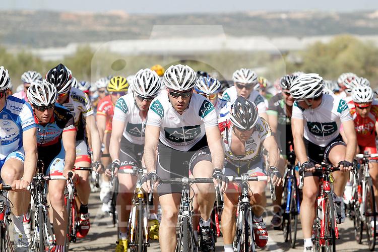 Etapa en linea ruta vuelta a Madrid 2011 Optikas Varilux, Mariscos Castellar, Ciclos Corredor, AC Marriot. (ALTERPHOTOS/Alvaro Hernandez)