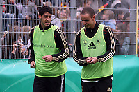 Tolga Cigerci (D, VFL Wolfsburg) und Robert Labus (D, Hamburger SV)