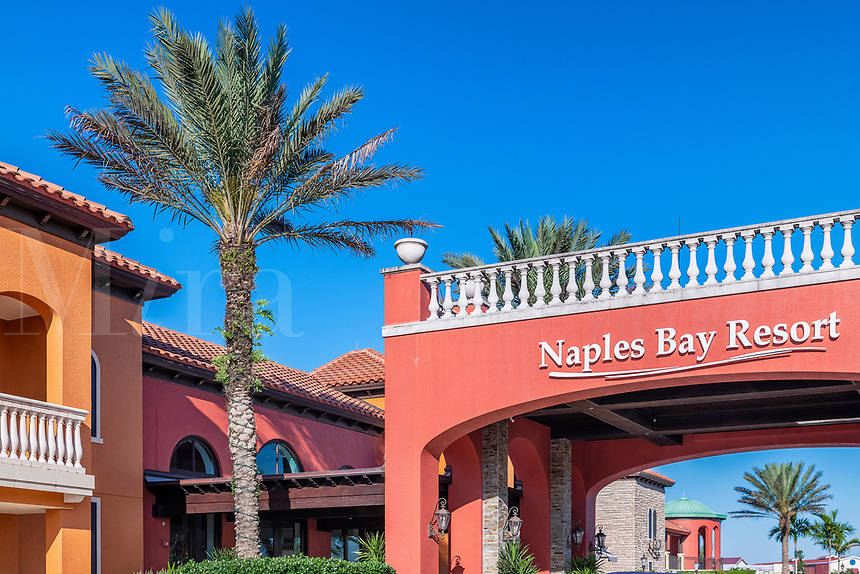 Naples Bay Resort Hotel and Marina, Naples, Florida, USA.