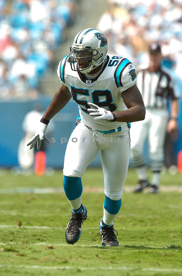 Thomas Davis, of the Carolina Panthers in action againt the Atlanta Falcons on September 10, 2006 in Charlotte, NC...Falcons win 20-6..David Durochik / SportPics