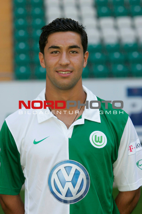 Emre Oeztuerk (31), Spieler beim VfL Wolfsburg Serie 2007/08 - hier am 14.07.07. <br /> Foto: nph ( nordphoto ) <br /> FBL 2007/2008 -  offizielle Spielervorstellung -<br /> <br /> <br /> <br /> <br /> <br /> <br />  *** Local Caption ***