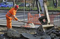 """- Il World Soil Day, la giornata mondiale del suolo, indetta per il 5 Dicembre dalle Nazioni Unite; attivisti dell'associazione ambientalista Legambiente, in collaborazione col Comune  <br /> di  Milano, la celebrano con un'azione simbolica, """"depavimentando"""" uno spazio stradale per riportare alla luce il suolo. Si tratta di un ampio, doppio spartitraffico da sempre inutilmente lastricato d'asfalto, che diventerà una aiuola di prato e piante: 900 mq di superficie resa impermeabile, che sarà restituita a suolo e vegetazione. <br /> <br /> - The World Soil Day, organized for December 5 by the United Nations; activists of the environmental association Legambiente, in collaboration with the Milan Municipality, celebrate it with a symbolic action, """"depavimenting"""" a street space to bring to light the ground. It is a large, double traffic island that has always been unnecessarily paved with asphalt, which will become a flowerbed of grass and plants: 900 square meters of surface made impermeable, which will be returned to the ground and vegetation."""