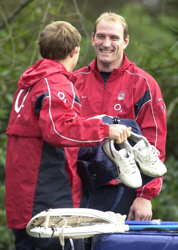 Photo: Greig Cowie.England Rugby Training. Penny Hill Park. 13-11-02.Lawrence Dallaglio and Matt Dawson
