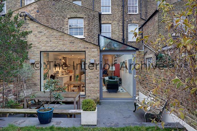 A late-Victorian London terraced has been updated with a modern ground floor extension