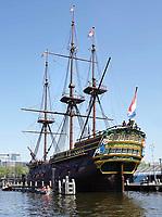 Nederland - Amsterdam-  21 april 2018.   VOC schip De Amsterdam bij het Scheepvaartmuseum.    Foto Berlinda van Dam / Hollandse Hoogte
