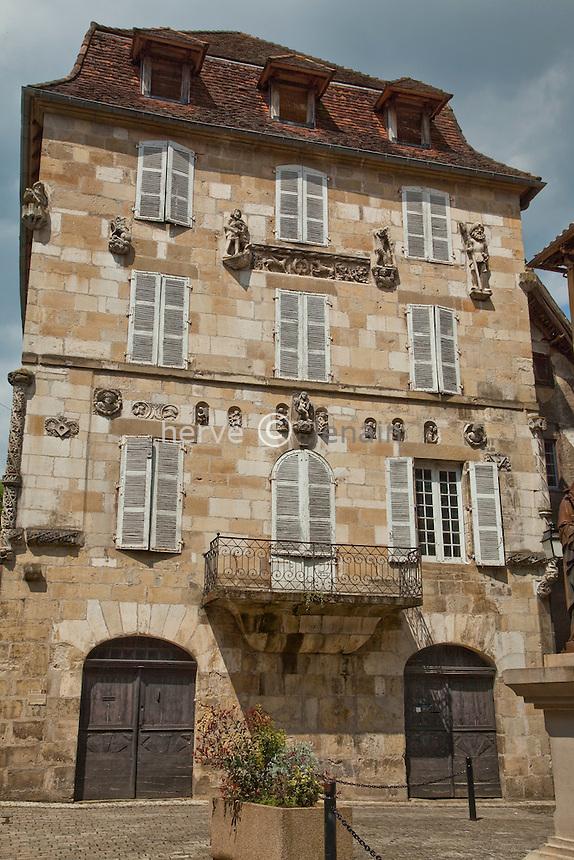 France, Corrèze (19), Beaulieu-sur-Dordogne, sur le Chemin de Compostelle, la Maison dite Renaissance du XIXe siècle // France, Correze, Beaulieu sur Dordogne, a stop on el Camino de Santiago, the House called Renaissance dated 19th century