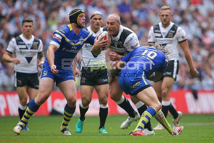 Picture by Alex Whitehead/SWpix.com - 27/08/2016 - Rugby League - Ladbrokes Challenge Cup Final - Hull FC v Warrington Wolves - Wembley Stadium, London, England - Hull FC's Gareth Ellis is tackled by Warrington's Ashton Sims and Chris Hill.