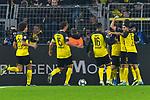 05.11.2019, Signal Iduna Park, Dortmund, GER, CL, Borussia Dortmund vs Inter Mailand<br /> , DFL regulations prohibit any use of photographs as image sequences and/or quasi-video <br /> <br /> im Bild die Mannschaft von Dortmund Jubel / Freude / Emotion / Torjubel / Torschuetze zum 2:2 Julian Brandt (#19, Borussia Dortmund) <br /> <br /> Foto © nordphoto/Mauelshagen