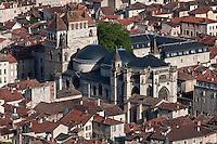 Europe/Europe/France/Midi-Pyrénées/46/Lot/Cahors: Vue sur les toits de la vieille ville, la cathédrale St-Etienne et la vallée du Lot depuis le Mont Saint Cyr