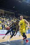 13.01.2019, EWE Arena, Oldenburg, GER, easy Credit-BBL, EWE Baskets Oldenburg vs Alba Berlin, im Bild<br /> dicht am Gegner..<br /> Rasid MAHALBASIC (EWE Baskets Oldenburg #24 )<br /> Landry Nnoko (Alba Berlin #35 )<br /> Foto &copy; nordphoto / Rojahn