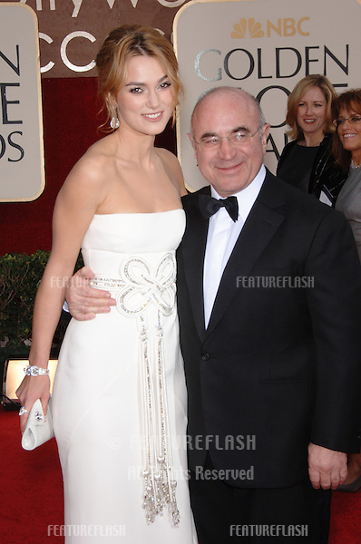 KEIRA KNIGHTLEY & BOB HOSKINS at the 63rd Annual Golden Globe Awards at the Beverly Hilton Hotel..January 16, 2006  Beverly Hills, CA.© 2006 Paul Smith / Featureflash