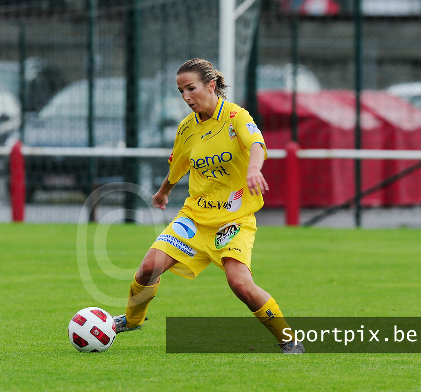 Supercup seizoen 2011 - 2012 ; Kampioen Standard Femina tegen Bekerwinnaar Waasland Beveren Sinaai Girls : Vicky Tas.foto DAVID CATRY / Vrouwenteam.be