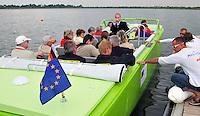 Schladitzer See: EU-Förderung für die Umwandlung der einst entstellten Landschaft. Füer minderwertige Braunkohle ließ das DDR-Politbüro die Erde umgraben, so dass Orte wie Kattersnaundorf und Lössen von der Bildfläche verschwanden. Heute erinnern die Namen der Leipzigboote daran. Foto: Alexander Bley