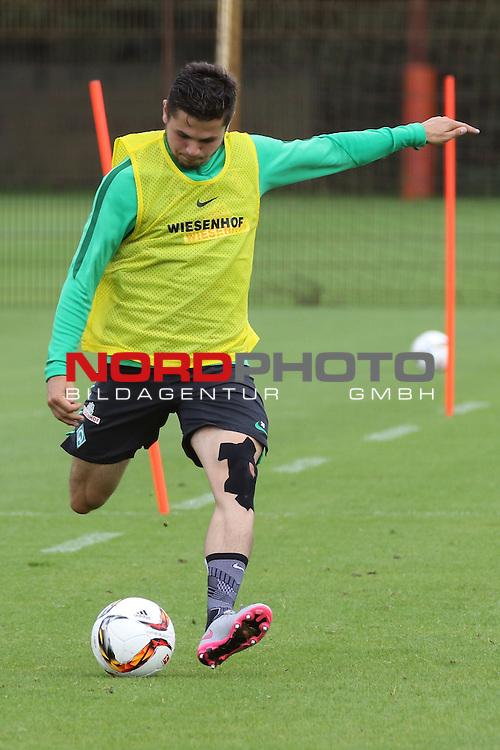 27.07.2015, Trainingsgelaende, Bremen, GER, 1.FBL, Training Werder Bremen , <br /> <br /> im Bild<br /> Marnon Busch (Bremen #38) <br /> <br /> Foto &copy; nordphoto / Ewert