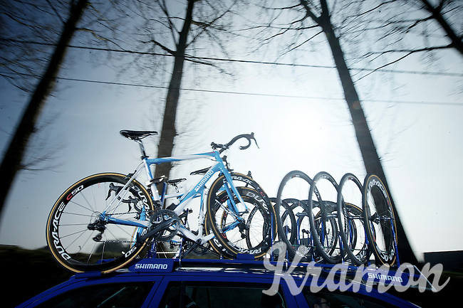 Nokere Koerse 2012.Shimano support drive-by